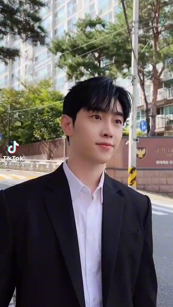 210913~ #Hyunho tiktok update 🐥 'Un bellissimo mondo. Lo farò io per primo'   #moneymoneymoney #ParkHyunho #돈돈돈  #박현호