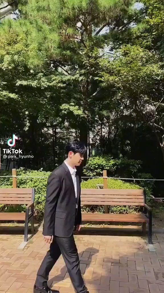 210916~ #Hyunho Tiktok update 🐥 'Scattare foto di nascosto è brutto'   #moneymoneymoney #ParkHyunho #돈돈돈  #박현호
