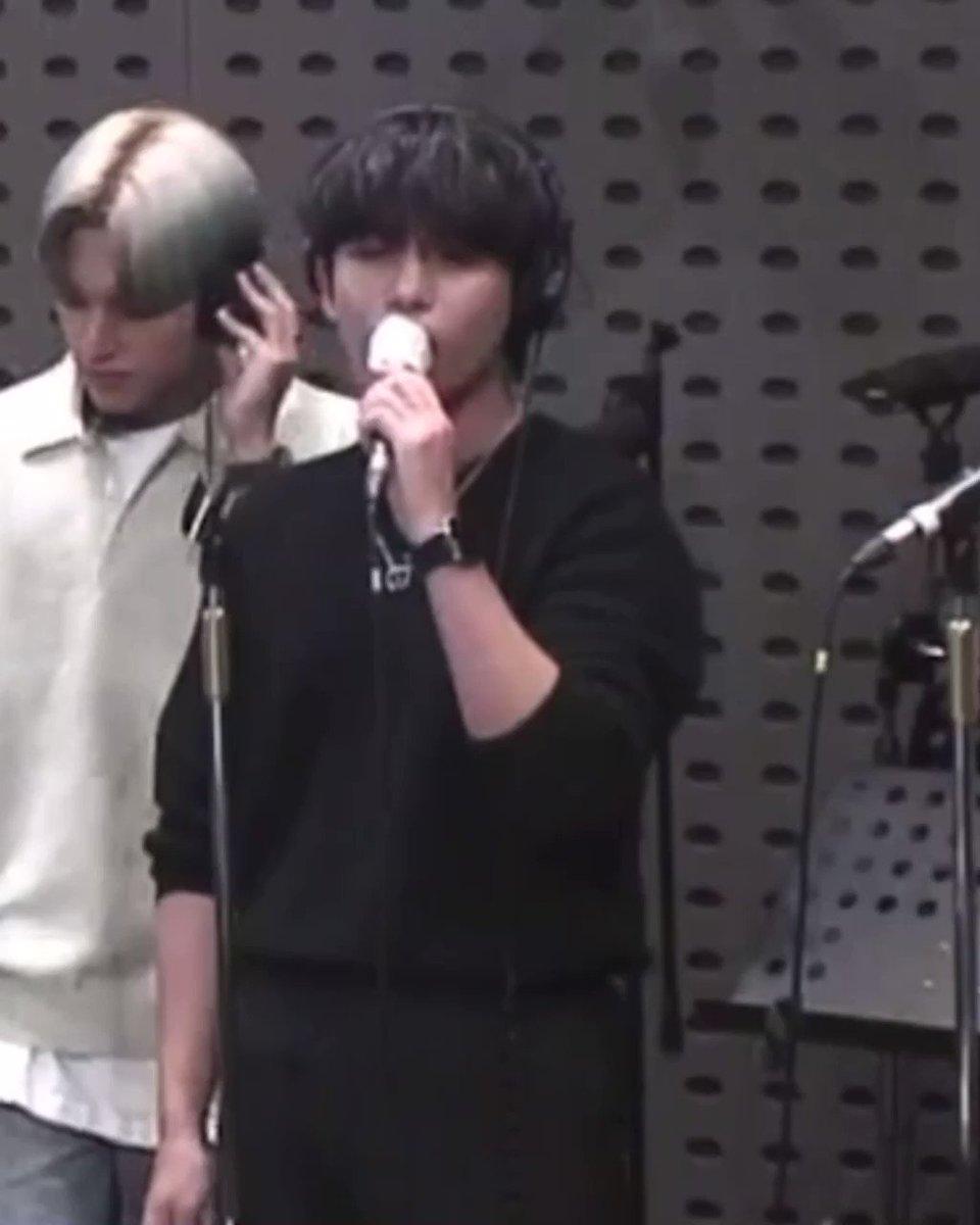 Diyorum 4.jen falan yalan jongho direkt en iyi dünya vokallerinden