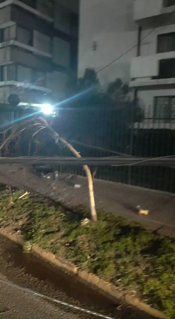 RT @S_Schwartzmann Tránsito bloqueado en Eliodoro Yáñez, entre Pedro de Valdivia y Marchant Pereira, por accidente de tránsito en Providencia, Santiago