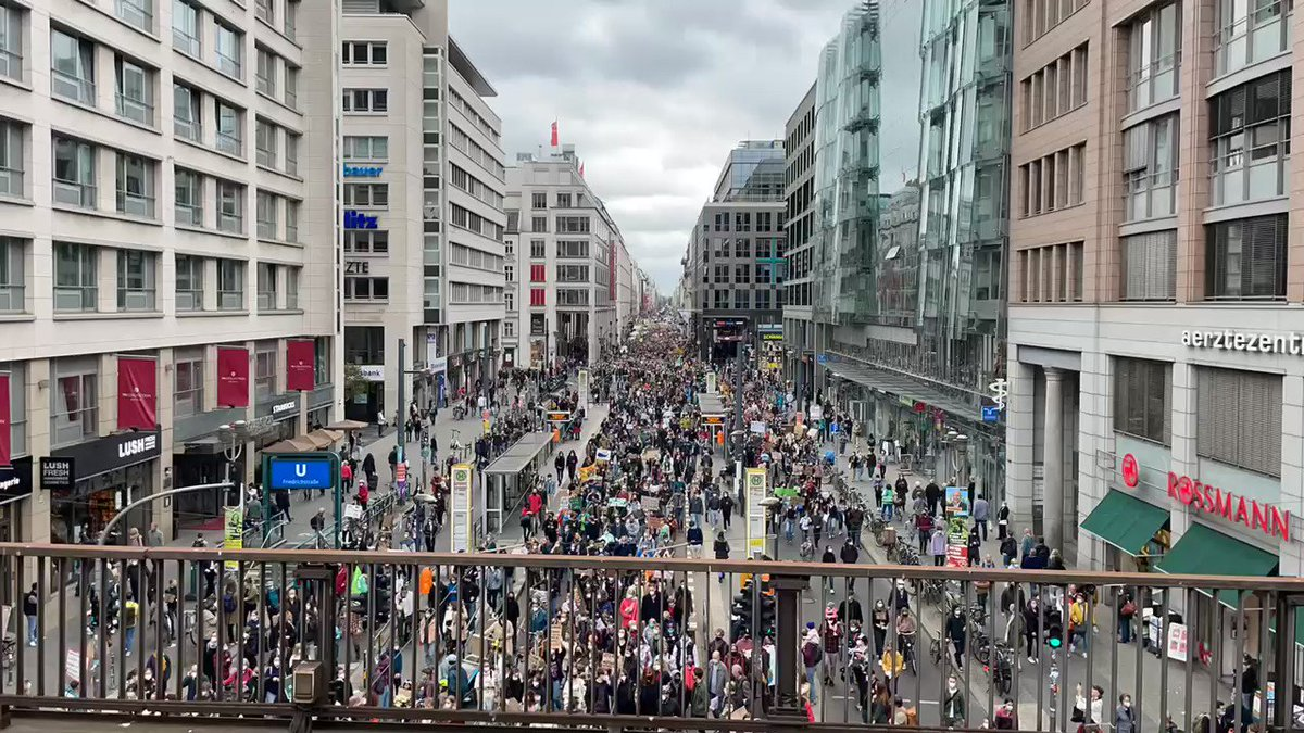 Wow. Just a fraction of the massive turnout for the Global Climate Strike with @GretaThunberg in Berlin.   The youth are moving, they want their future back. #Klimastreik  #ActOnClimate #ClimateEmergency #BuildBackBetter