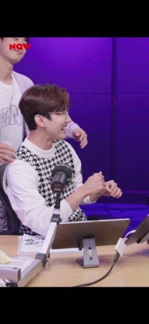 Minho come to remind Changmin he is the his favourite Dongsaeng. 'Choi Minho and not Choi Jongho' xD  #최강창민  #프리허그 #최강창민의프리허그
