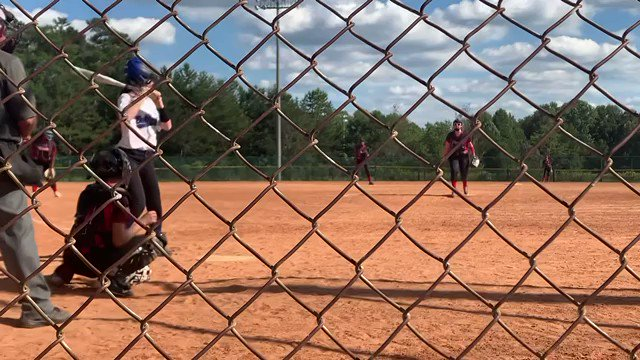 Avery Bly '2026 with a left center bomb one bounce off the fence.  @CLS_Hawks fall ball! #softball https://t.co/ClxogRBDhH