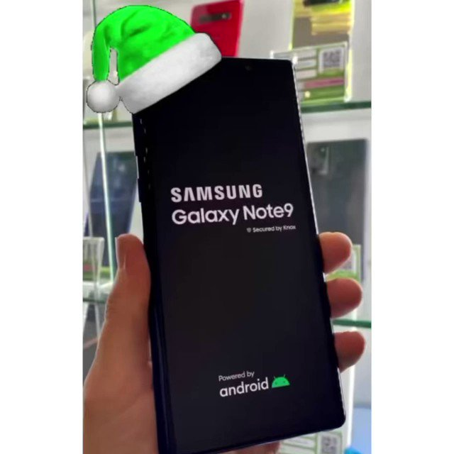 Have you started your Christmas shopping?   If you are purchasing any Christmas presents, just let us know and we will extend your warranty to start from 25th of December ☺️  Helping you get those presents ticked off the list ✅   #christmas #mobilephone