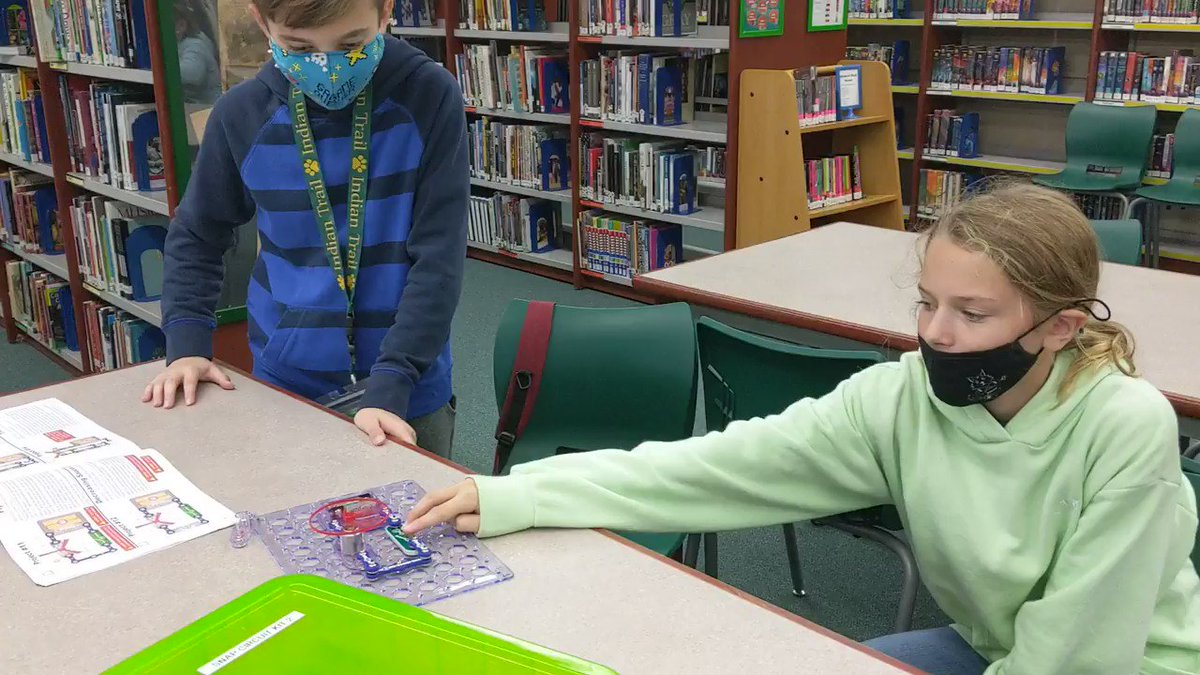 Image for the Tweet beginning: .@IndianTrailMS students use @SnapCircuits kits