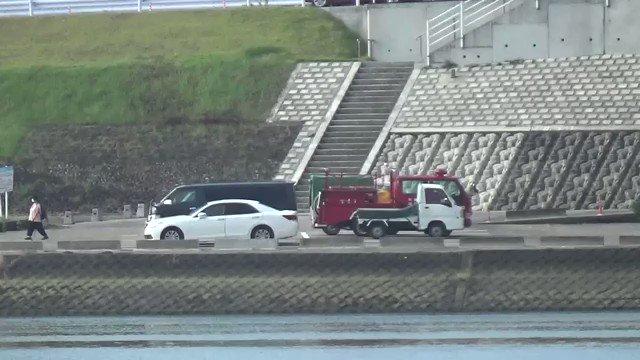 【飛び降り自殺か】宮崎市大淀川の橘橋にヘリや消防車集結!「昨晩飛び降りした人の、捜索ですね。」