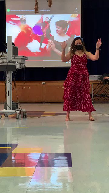 Ms. Clark celebrated the last day of Hispanic Heritage Month dancing to Spanish Flamenco 💃 <a target='_blank' href='http://twitter.com/Principal_CIS'>@Principal_CIS</a> <a target='_blank' href='http://twitter.com/CIS_APSantiago'>@CIS_APSantiago</a> <a target='_blank' href='http://search.twitter.com/search?q=APSHHM'><a target='_blank' href='https://twitter.com/hashtag/APSHHM?src=hash'>#APSHHM</a></a> <a target='_blank' href='https://t.co/59Apj82Kp5'>https://t.co/59Apj82Kp5</a>