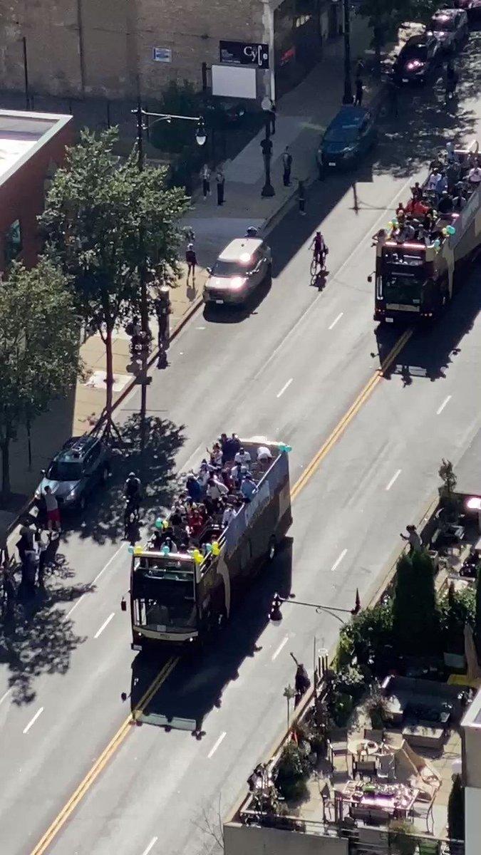 Image for the Tweet beginning: WNBA championship parade 🤣🤣🤣