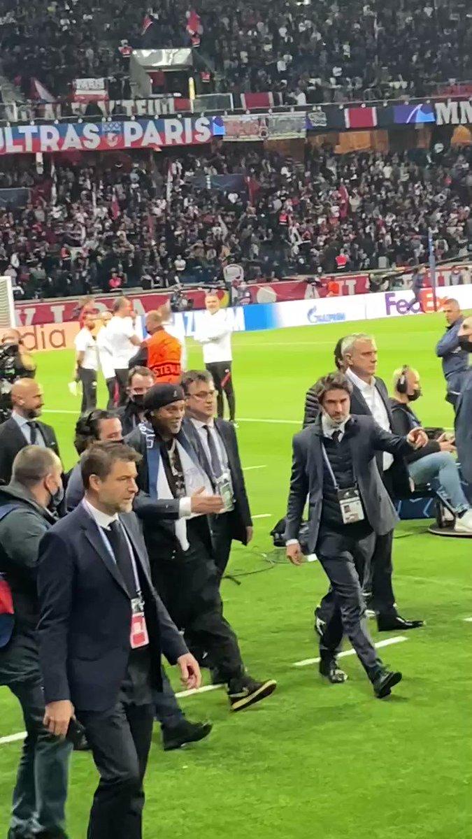 @realfutebolnews's photo on Ronaldinho