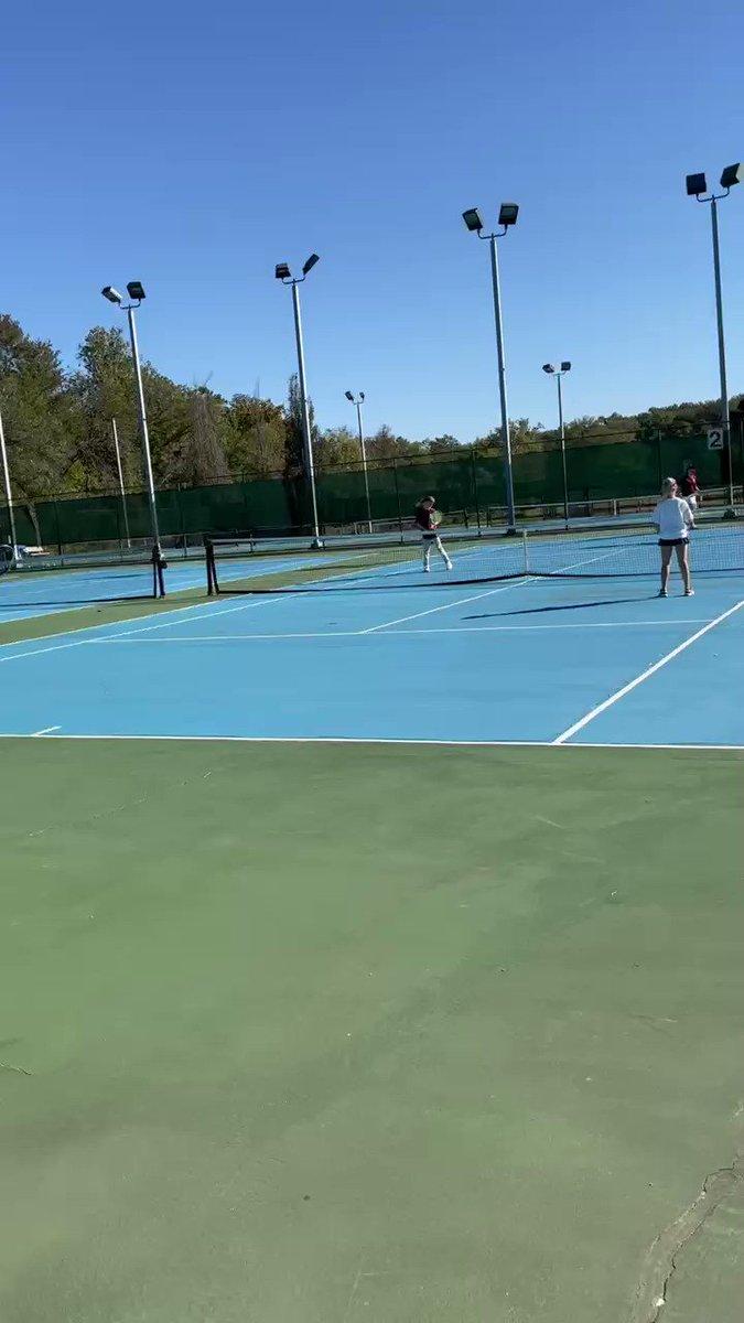 APS Tennis der Mittelschule 🎾 verdoppelt die letzte Aktion https://t.co/Pd7I0FKHzw