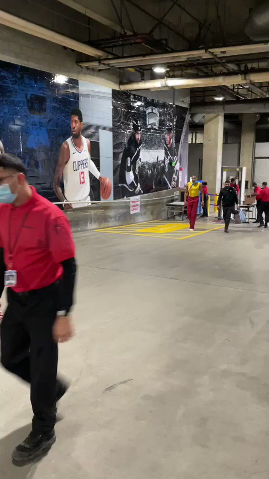 Russ rolling up to Staples Center 👀