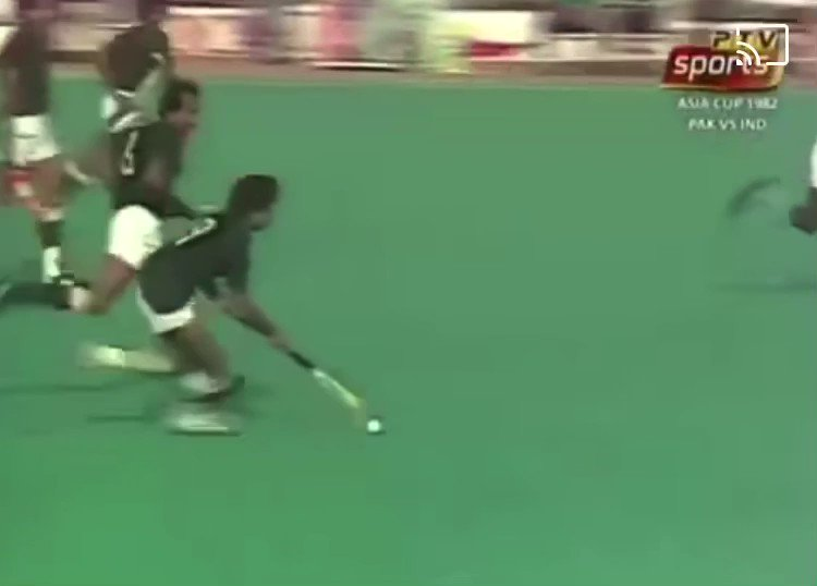 We were lucky to have seen the magic of 🇵🇰 Hockey! Enjoy this Hassan Sardar goal! ❤️