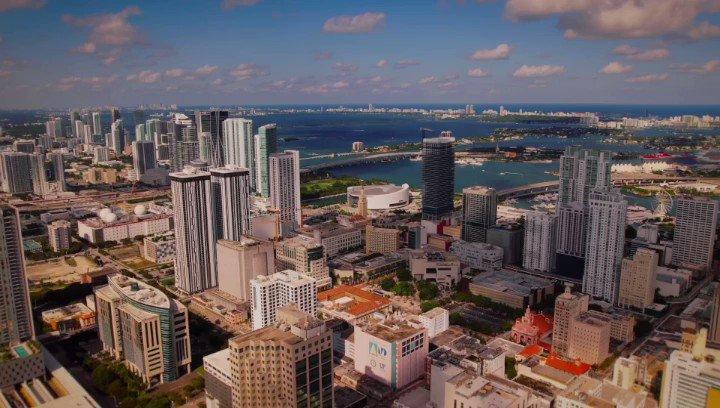 Vuelvo a vivir esta noche como si fuera la primera vez, Miami es mi casa.  #LaGiraUSA continúa…ven 🎶🎩  #SOLDOUT #Miami  @Camila_Cabello #ArturoSandoval  @Greeicy_rendon @MikeBahia @SiudyGarrido @davjulca   📹: Óscar Collazos - @only1studios