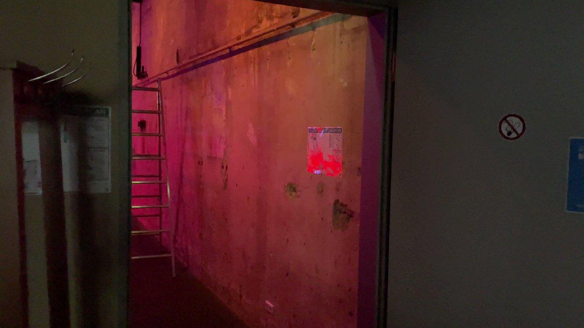 """Letzte Tests und Einstellungen an """"1510.1001"""". Dennis Lyskawka und Dennis Köhler für das #DARK #Festival, Alt-Arnsberg, 21.10.-24.10.2021 <a class=\""""link-mention\"""" href=\""""http://twitter.com/LichtforumNRW\"""" target=\""""_blank\"""">@LichtforumNRW</a> #licht #light #light #lightart #arnsberg #maker #touchdesigner #led #digitalisierung #südwestfalen <a href=\""""https://t.co/5KFyN2wiM9\"""" class=\""""link-tweet\"""" target=\""""_blank\"""">https://t.co/5KFyN2wiM9</a>"""