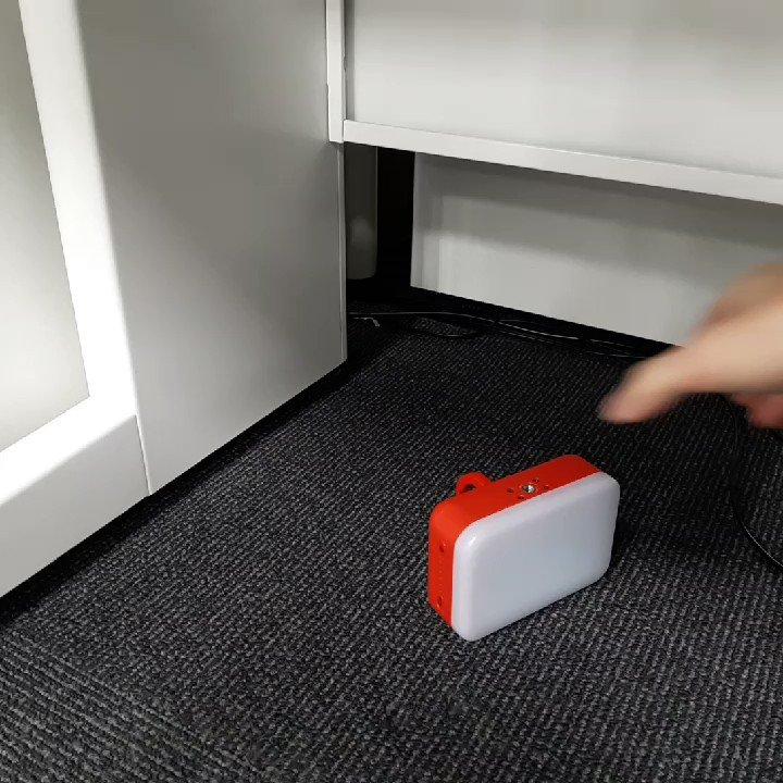 磁石や三脚穴、フックで設置できるのがいいのです。アウトドアや暗いところでの作業にもおすすめです。エレコムの防災LED付きモバイルバッテリーが「防災・防疫製品大賞(R)2021」を受賞しました#エレコムのプレスリリース