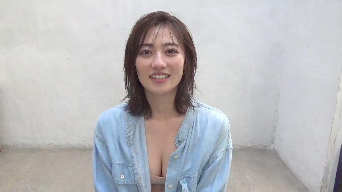 お待たせしました💦奥山かずさちゃん@okuyama_kazusa_ コメント動画です👍✨ショートヘアでのグラビア、どうでした?新鮮でまたドキドキが増しますよね?😆💕10/18発売 #週刊プレイボーイ電子版 Amazon写真集