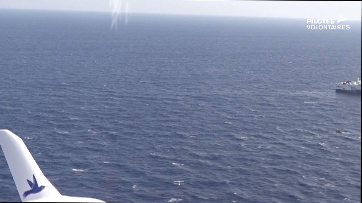 🔴 1 sauvetage et 1 interception Hier, nous avons effectué une mission de plus de 6h. 🙏1 embarcation repérée: 36 personnes secourues par #GeoBarents @MSF ❗️1 seconde embarcation, 90 personnes, interceptées par les garde-côtes libyens.  👉pilotes-volontaires.org/fr/donations/f…