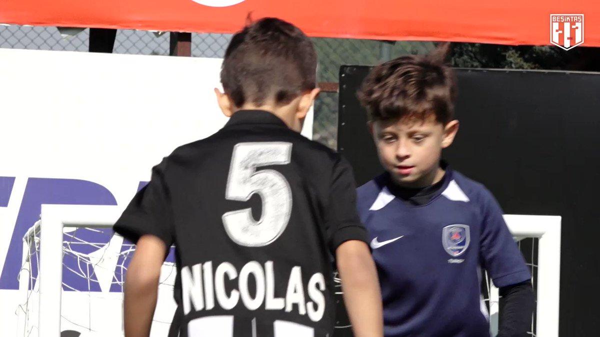 Josef ve Pjanic'in çocukları, babalarının izinde. ☺️  #BoğazınKartalı