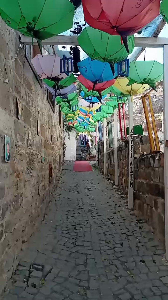 Enlemleri ve boylamları ile birlikte #seyahat #travel #fotoğraf #foto #photooftheday #photo #resim #pictures #Video #boylam #longitude #aile #family #YeniProfilResmi #fun #eğlence #kitap #book #güzel #beautiful #love #şemsiye #umbrella #World #friends #pazar #sunday #mutlu #happy
