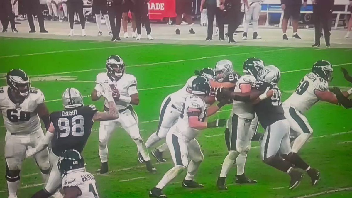 2/ Here's some more of that Raiders Defense  with @YannickNgakoue and Carl Nassib, that was going to be DOMINATED by Eagles O Line as per @ColinCowherd #RaiderNation https://t.co/nH0lQCBydD