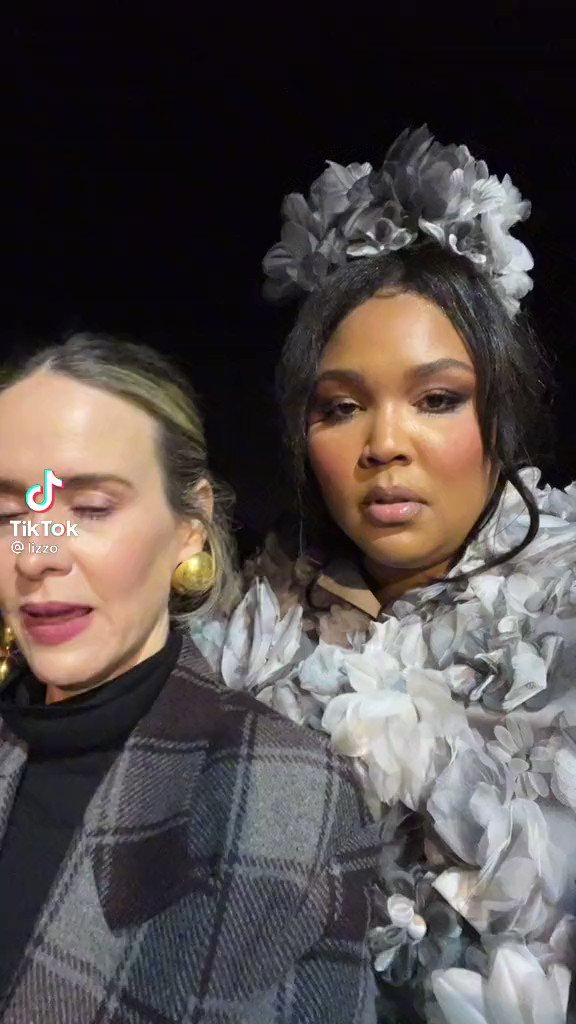 """RT @ahszone: Sarah Paulson recreated her """"the killer is escaping"""" line from AHS: Asylum with Lizzo on TikTok! https://t.co/g1f4zecAAE"""