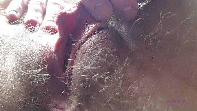 Closeup pussy https://t.co/e3hQRhm2UU