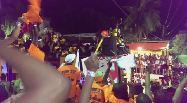Video aksidan sou cha Barikad la! Atasyon imaj la ka choke Nou! http://t.co/FyKrLrM0Sd