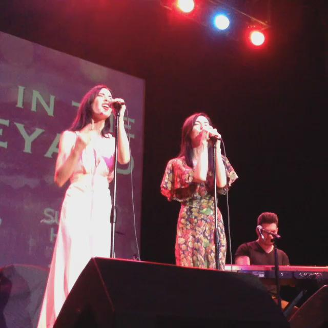 Unplugged: 15 seconds of @TheVeronicas at @liveinthevineyard in Napa. #LITV #acoustic #uptowntheatre http://t.co/KGsSURiQQU