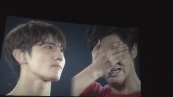 ユノしか見てなかった方、チャンミンも見てみて下さい。泣いてるユノを見たあとのチャンミンの顔。人が本当に誰かを愛おしく思ったときこういう顔するんだろうなっていう世界一優しい顔(動画お借りしました) http://t.co/FfmWSOhrlE