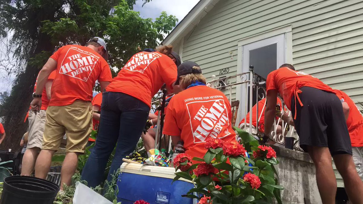 @nickjg2 @HibbisonMike @allyson absolutely killing it with @richardward22sq and @mueller_trish for @TeamDepot http://t.co/8zKm3dq592