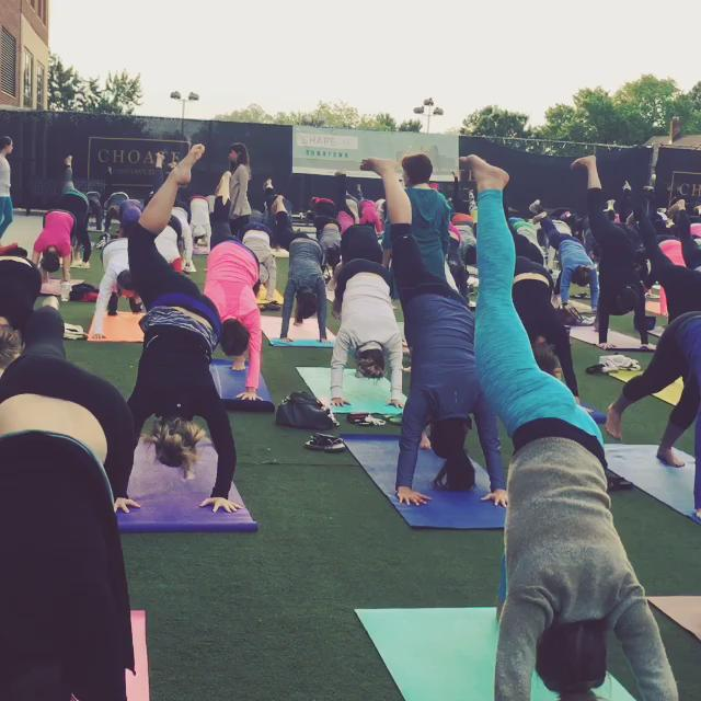 Sunrise yoga at @happyandhale led by @crazook with music by @PetalsStringDuo. @triangledotcom #sunriseyoga http://t.co/Z9dp4hKsVX