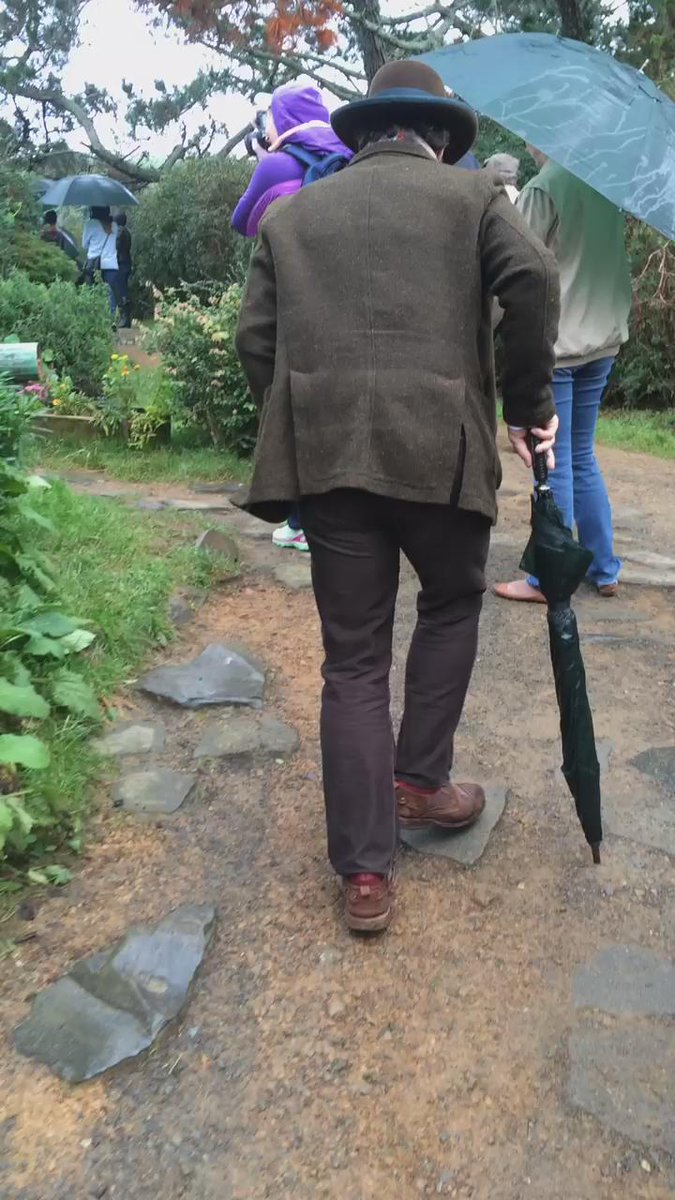 Just going on a walkabout at Hobbiton @PFTompkins #TAHDownUnder @ThrillingAdv http://t.co/3oDMxrGnZf