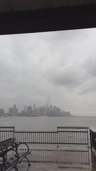 RT @PzFeed: INCREDIBLE VIDEO: Lightning hitting One World Trade this evening. (@AnthonyQuintano) http://t.co/QJrAMfPLBz