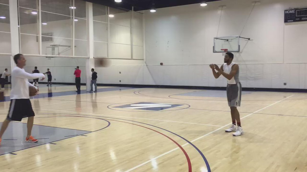 Video of Karl-Anthony Towns shooting NBA threes.  Ridiculously talented http://t.co/J8JiKXwCxP