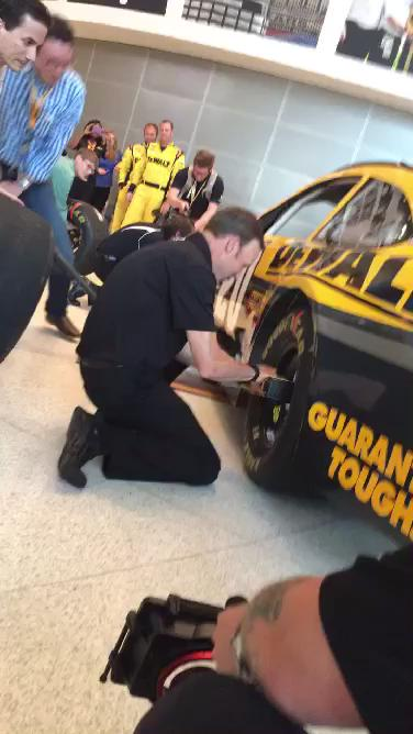 Even @MattKenseth tried his hand at a #dewaltxp pit stop! http://t.co/R0Wzxt1Bwv