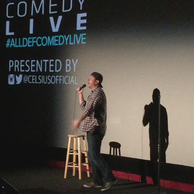 RT @AllDefDigital: .@brettriley warming the crowd up for #AllDefComedyLive. He's hilarious! @CelsiusOfficial http://t.co/5fv3acRZhf