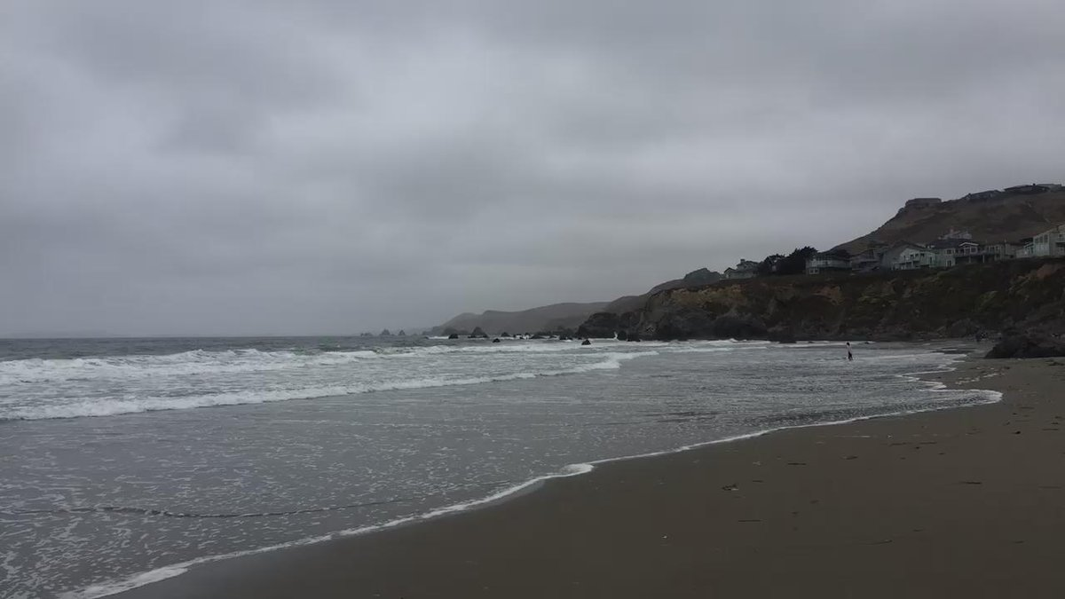 The waves (stretching it a bit) #curves #lines #mathphoto15 #NorCal http://t.co/81lQKUoWBK