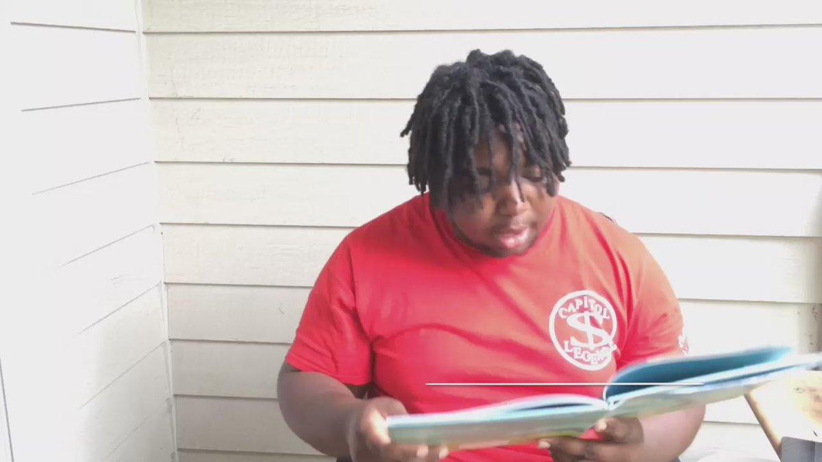 When OG Maco reads a book ������ http://t.co/PvXGlSuHfC