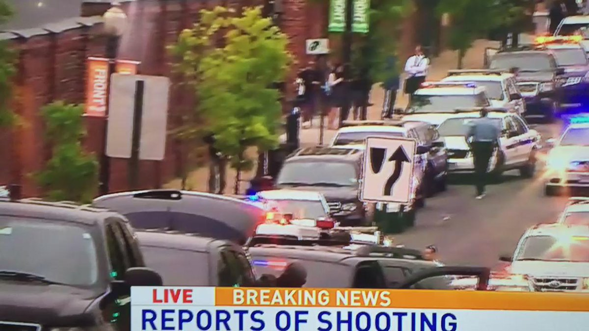 Breaking News @SweeneyABC on the scene at the Navy Yard. Report of shooting at Navy Yard. http://t.co/kGX646K16C