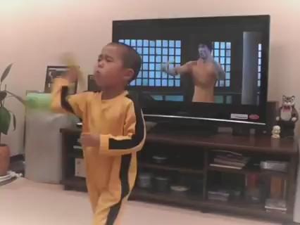 I want to be this little kid when I grow up!!! Watch the full video HERE: https://t.co/Q2WvOyFf8b http://t.co/hHYf436AGA