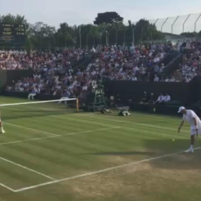 Brotherly love at it's best. #isthatallyougot #wimbledon2015 http://t.co/Ge3py0IyHU