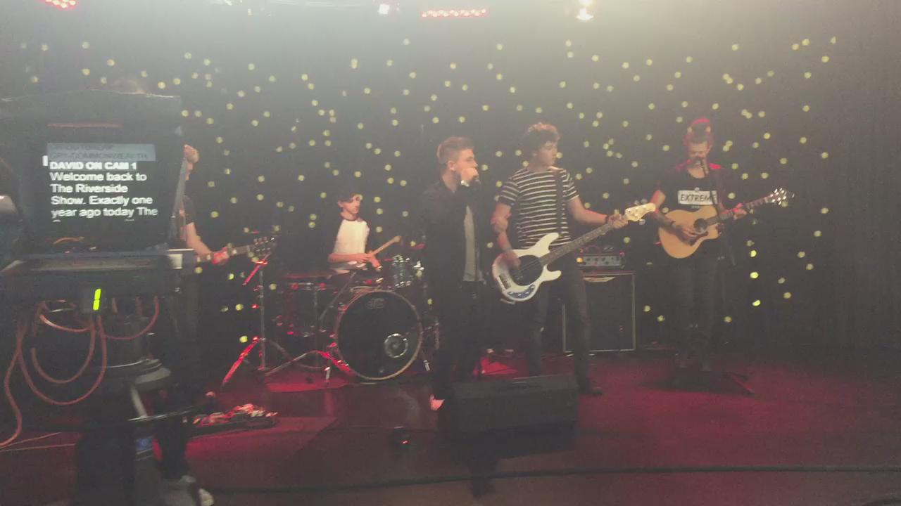 RT @DavidJ_Farrell: A wee teaser of what's coming up after the break with @nickymcdonald1 on #RiversideShow http://t.co/uEM8DuyAqU