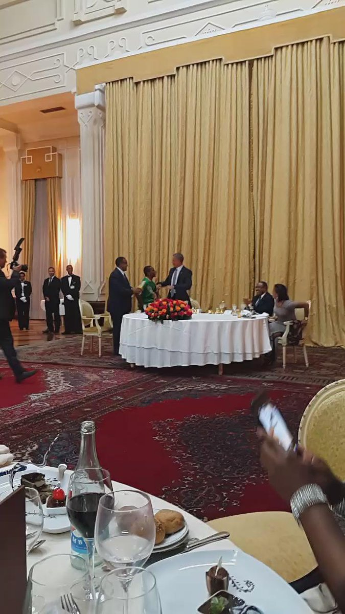 #ObamaInEthiopia @POTUS testing his shoulders at the state dinner. http://t.co/v9kqngGRQZ