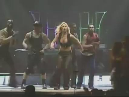 I miss when Britney used to dance like this!! http://t.co/kxjnEAsYjd http://t.co/oSHOmjxTwq