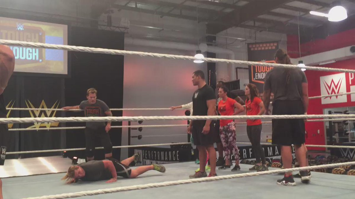 .@IAmJericho shows the competitors how it is done #ToughEnough http://t.co/wjxEVn0n2z