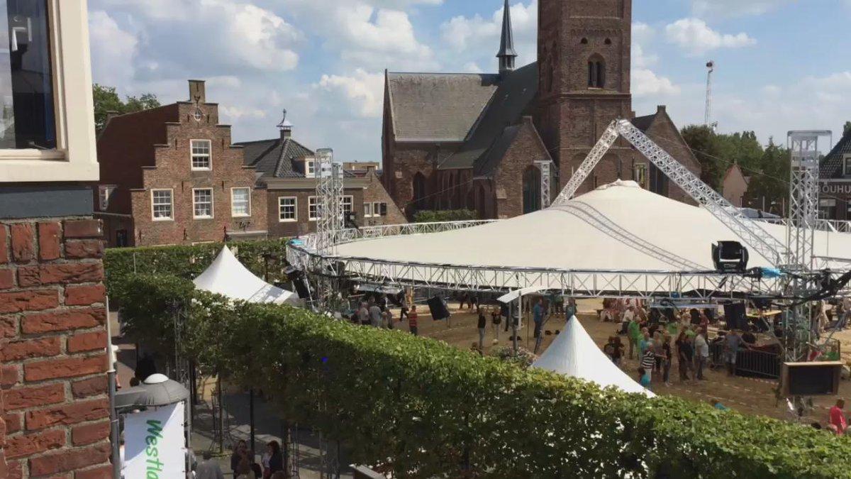 Feestweek Naaldwijk @westlandreunie is begonnen! Vanavond @djjerome_ dus tot straks http://t.co/jKNtApJUEd