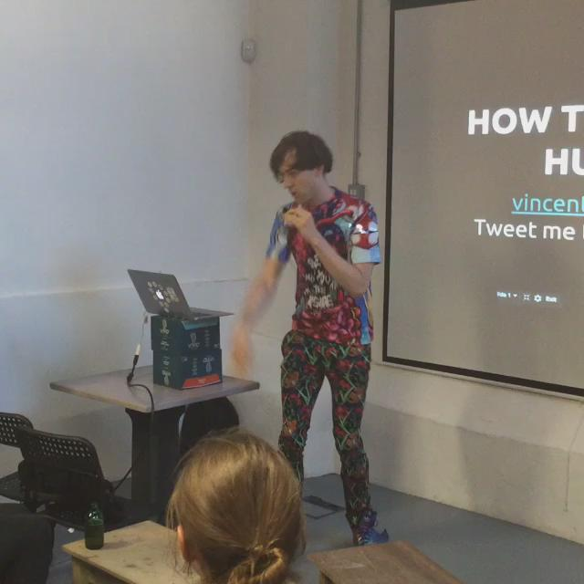 @vincentdignan starts us off with a little Mexican Wave ! #startup #launch22 #marketing http://t.co/4MMlX1zomo