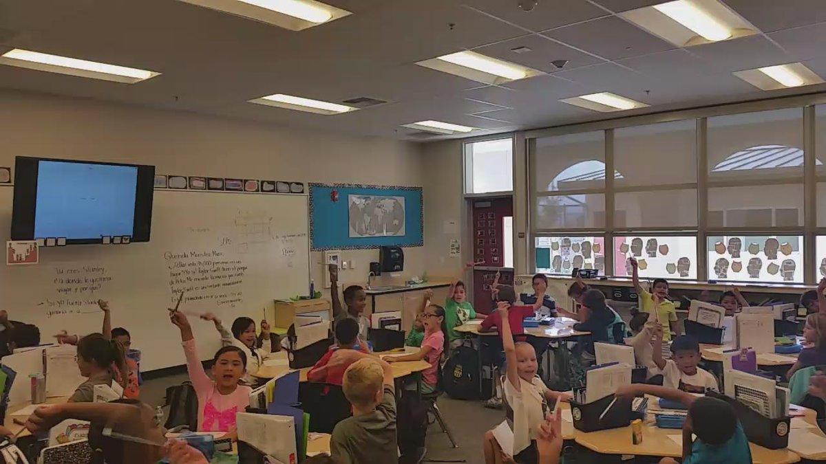 ¡Me encanta ver como nuestros estudiantes estan entusiasmados de practicar su fluidez de matemáticas!  #camlearns http://t.co/YVQfRHuCJf