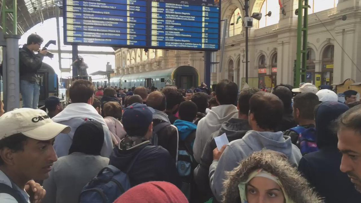 #Keleti right now @bbcos http://t.co/BLeU1wZh5c