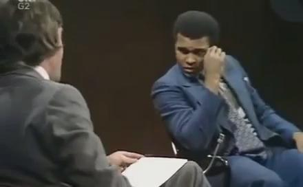 RT @HuffPostSports: Watch Muhammad Ali unleash the most powerful and poetic argument against fighting in the Vietnarm War https://t.co/CsYn…